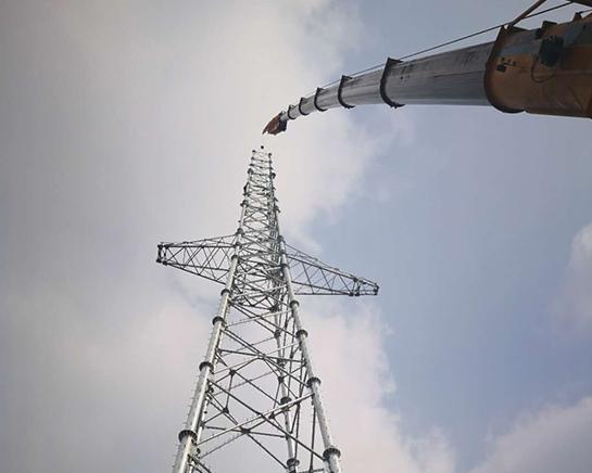 信号塔吊装