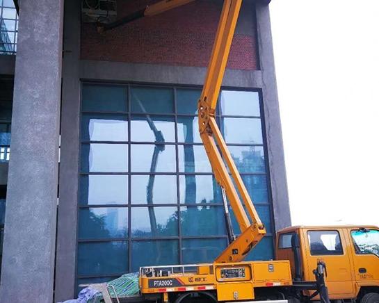房屋维修小型吊车出租